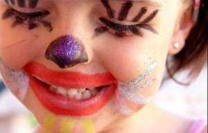 criança maquiada