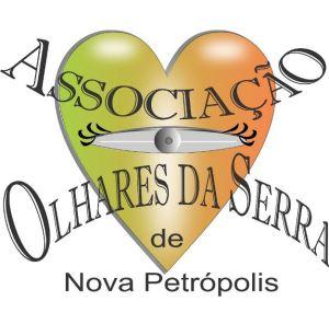 A associação se encarrega de entregar no Banco de Perucas de Caxias do Sul